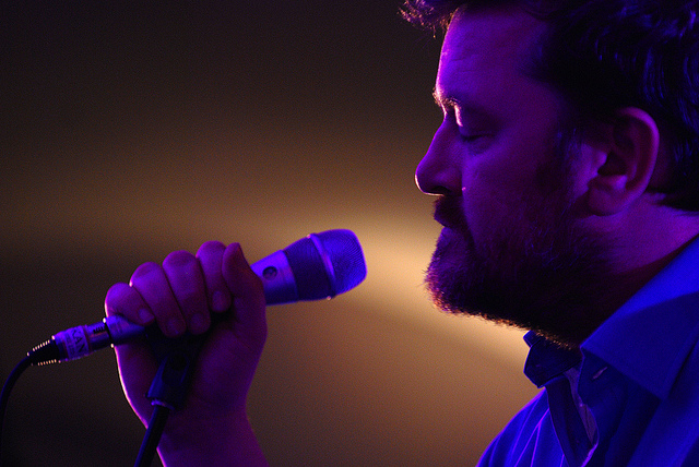 Chicken drumsticks or Kievs for dinner? - Guy Garvey has a quiet moment on stage